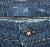 Womens 6 Levis BOLD CURVE Classic Boot Cut Jeans Tag 6 28 Measures 26x29 Dark Blue in Joliet, Illinois