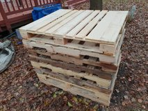 10 of 48x40 inch wooden pallets. Good condition in Lockport, Illinois