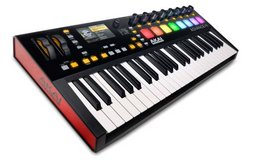 Akai Advance 49 Keyboard Controller in Fort Campbell, Kentucky