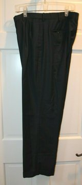 Navy Dress Trousers, Pleated Front, Cuffed, Croft & Barrow, 34x30 in Westmont, Illinois