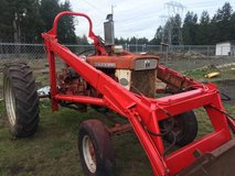 INTERNATIONAL HARVESTER- Farmall 340 Diesel Tractor with front-end loa in Fort Lewis, Washington