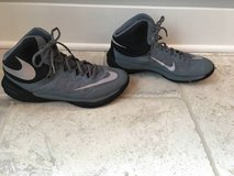 Nike Girls/Women's Basketball Shoes (Womens Size 9.5) in Aurora, Illinois