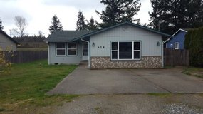 Opportunity Knocks! 3BR/1.75BA Rambler in Fort Lewis, Washington