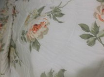 Floral Comforter.Twin/Full. Dust Ruffle, Shams in Conroe, Texas