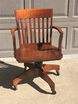 Wooden desk chair good condition in Bolingbrook, Illinois