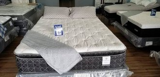COOL & LUXURIOUS GEL MATTRESS & Adjustable Bed Base!<-$$$!!! in Camp Pendleton, California