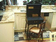 SMALL DESK FOR WRITING WITH CHAIR in Bolingbrook, Illinois