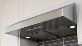 Zephyr Under Cabinet Range Hood Fan Stainless Steel - New! in Naperville, Illinois