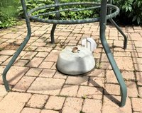 Heavy Duty Patio Umbrella Stand in Glendale Heights, Illinois