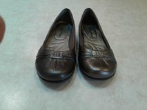 women's bear trap slip-on casual shoes size 6.5 m in Tinley Park, Illinois
