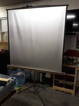 Vintage Da-lite Silver Pacer Projector Screen in The Woodlands, Texas