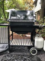 Weber Propane Gas Grill w/Tanks and Cover in Chicago, Illinois