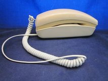 BELL SYSTEM Trimline Push Button Telephone Phone Ivory / Beige 1974 in Chicago, Illinois