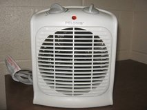 Pelonis Heater Thermostat Fan-Forced Portable Auto Small Room Air Heat in Fort Campbell, Kentucky