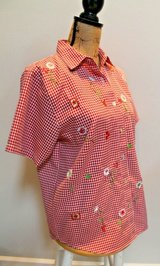 Teddi Petite Red/White Check SS Blouse, Cute Embroidered Flowers, Petite Medium in Chicago, Illinois