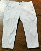 Lands' End White Cropped Pants, Size 12 in Westmont, Illinois