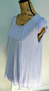 Simply Vera Wang Simply Breathe Lavender Top, Cap Sleeves, Mesh Inserts, Medium in Chicago, Illinois