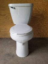 Mansfield Toilet 2 Piece White in Bolingbrook, Illinois