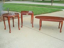 SET OF 3 MATCHING END/COFFEE TABLES - LIKE NEW in Naperville, Illinois