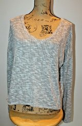 Comfy Brown/Tan Flecked  Soft & Stretchy V-Neck Long Sleeve Top, Medium in Bolingbrook, Illinois