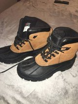 MENS WINTER BOOTS SZ9 in Plainfield, Illinois
