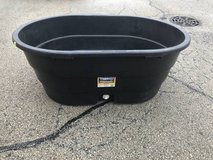 Little Giant 100 Gallon Poly Oval Stock Tank in Chicago, Illinois