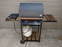 Char Broil BBQ Grill with Side Burner in Houston, Texas