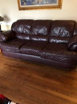4 piece family room leather furniture set in Bolingbrook, Illinois