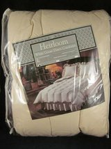 Heirloom White Goose Down Comforter Twin ~ NEW in PACKAGE in Naperville, Illinois