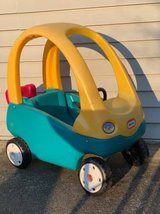 Little Tikes Cozy Coupe Ride-On Car Toddler Blue Yellow in Chicago, Illinois