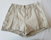 Riveted by Lee Women's Tan Shorts size 12 M in Naperville, Illinois