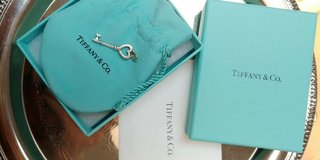 tiffany & co. 925 silver  key pendant ,with tiffany box , pouch and  envelope in Camp Lejeune, North Carolina