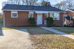 5 BEDROOMS HOUSE FOR SALE! in Fort Lee, Virginia