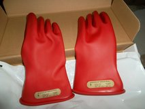 ansell class 00 r 11 electrical gloves,class 00,red,sz 9,pr in Bartlett, Illinois