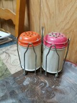 "vintage gemco glass shakers w/ metal lids & holder!  3 1/2""  made in usa   3 pcs in Bellaire, Texas"
