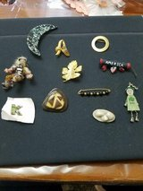 Mixed Lot of 11 Vintage Unique Brooches / Pins! All in nice condition! Moon, Initials ( A and K ... in Bellaire, Texas