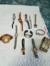 Mixed Lot of 12 Damaged Watches for parts! Some may need battery only in Bellaire, Texas