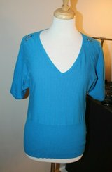 Bright Blue Short Sleeve V-Neck Sweater Top w/ Sleeve Buckle Detail, Small in Naperville, Illinois