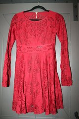 Free People Red Lace Short Dress w/Back Cutout & Flutter Sleeves, Size 0 in Naperville, Illinois