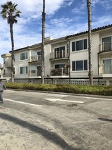 Only steps from the Ocean & to main gate pendelton in Camp Pendleton, California