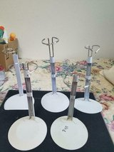 """5 Adjustable White Metal Doll Stands!. Fits up to 18""""Dolls! Good condition in Bellaire, Texas"""