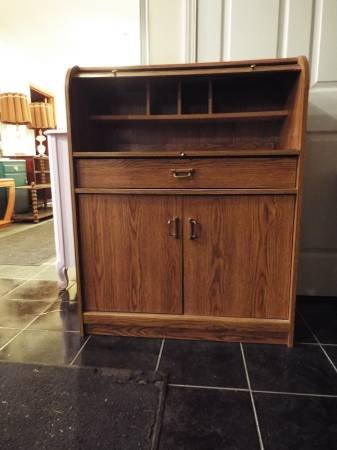 Roll Top Cabinet*1 Drawer*2 Door*Key Board Tray | Furniture For Sale On  Fort Leonard Wood Bookoo!