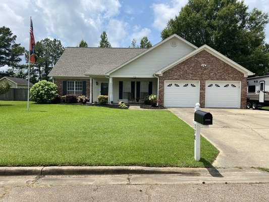 378 Jones Dr in REmilitary